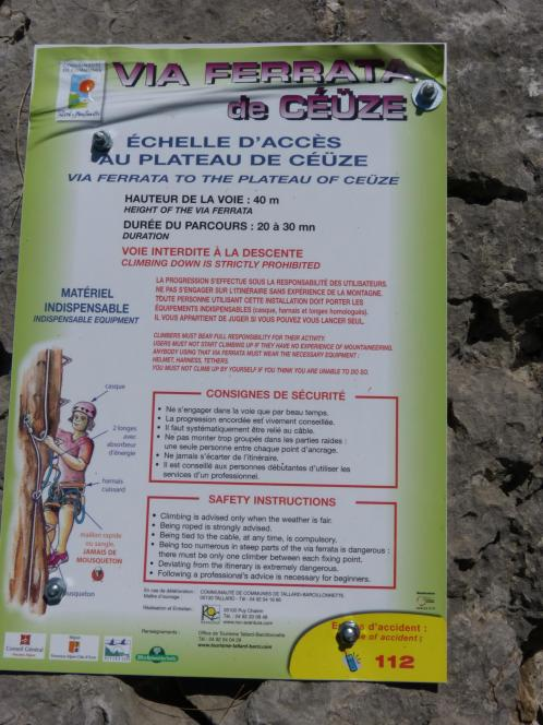 Panneau d' info de la via ferrata de Céüze
