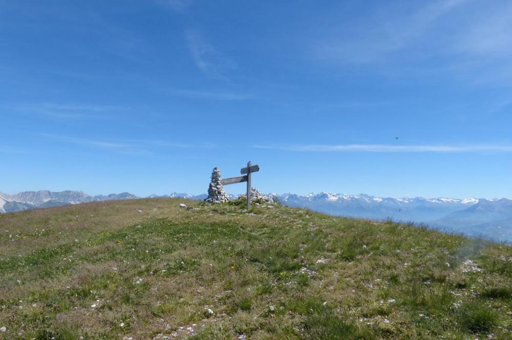 Pic de Céüze et sommets alpins au loin