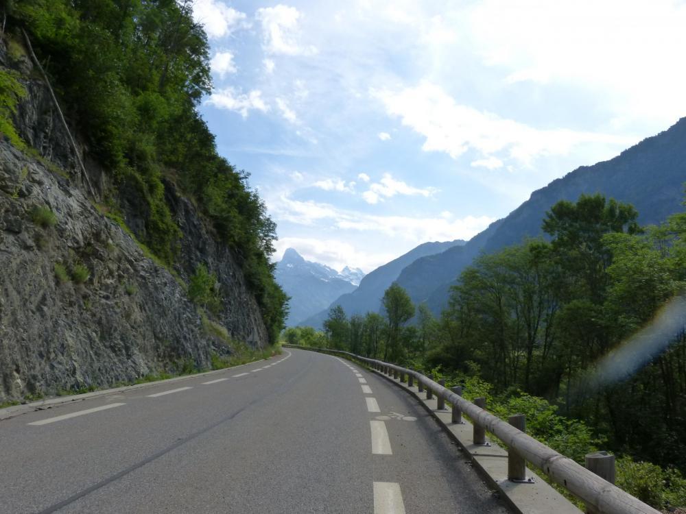 Partie agréable de la montée, nous sommes dans les trois premiers kilomètres !