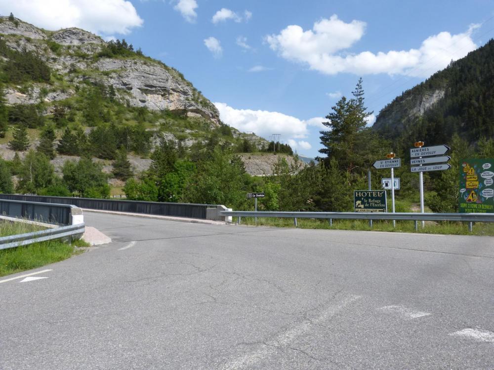 Pont sur la Souloise juste avant le défilé des Etroits où se trouve la via ferrata de St Etienne en dévoluy