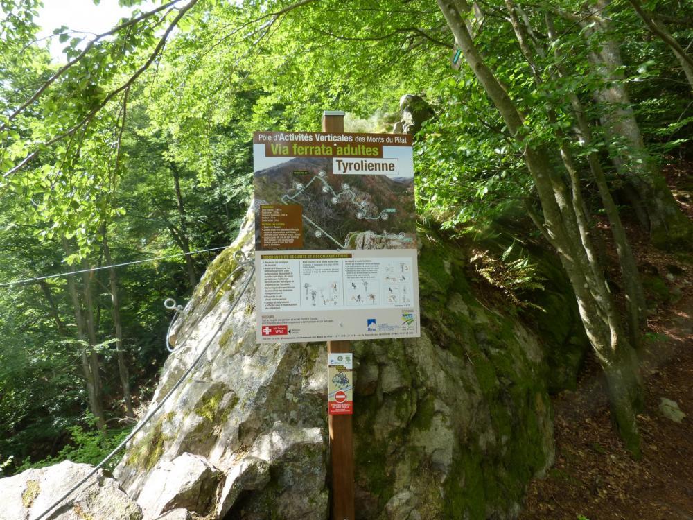 panneau d' info de la tyrolienne de la via ferrata de Planfoy