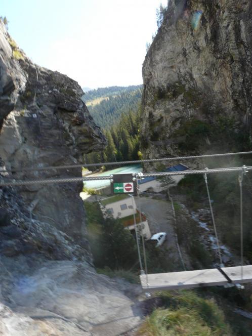 la grande passerelle du lac de la Rosière