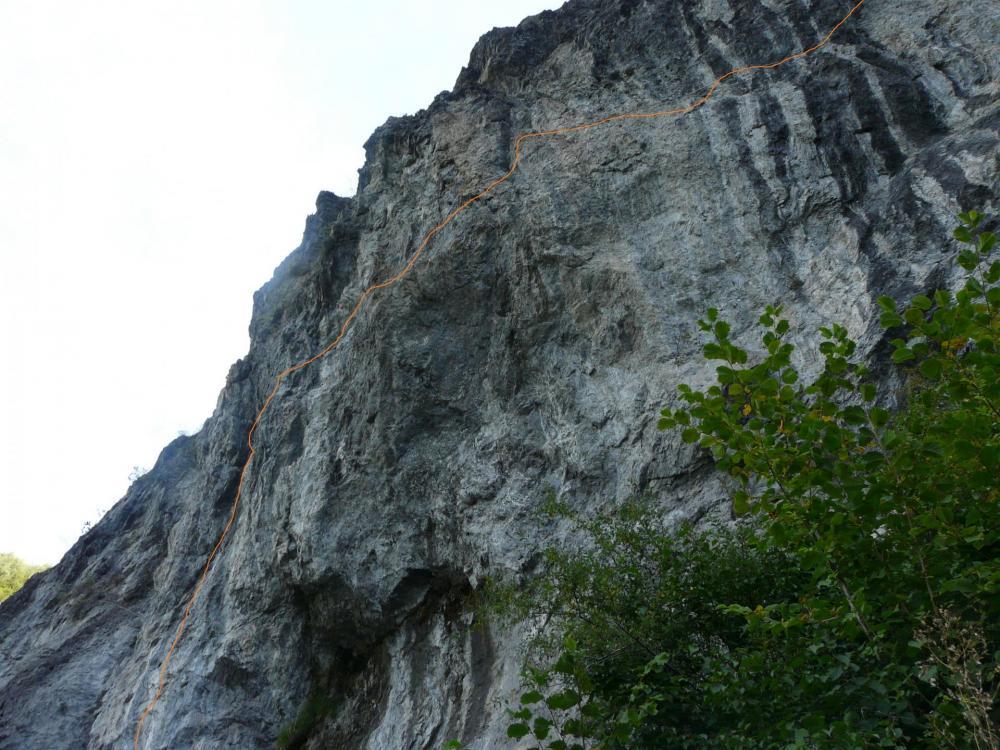 autre vue de l' itinéraire de la via des grosses Pierres à Champagny