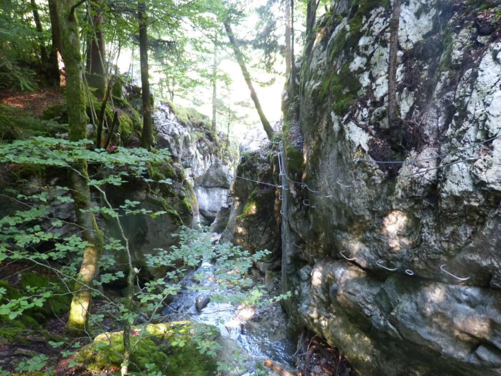 Via de la cascade à Bellevaux, on approche de la fin de la via