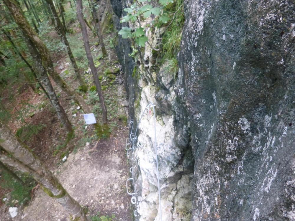 La via du Chatelard à Bellevaux, départ vertical mais pas difficile