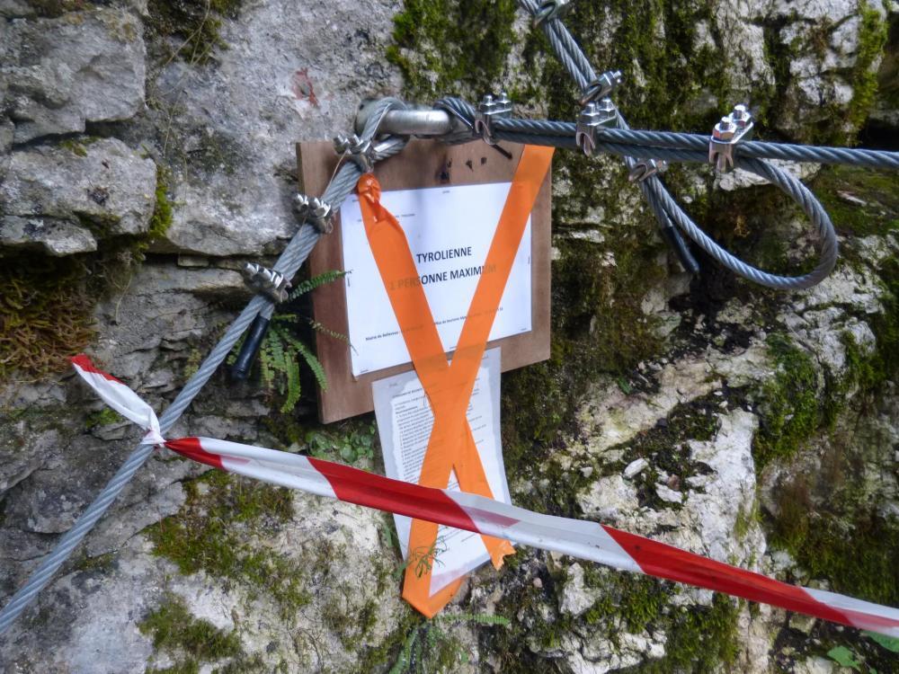 Tyrolienne non autorisée au 27/07/2014