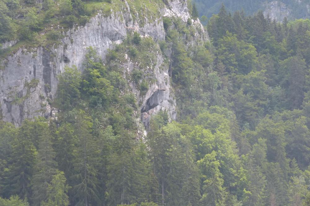 La baume ou grotte de Cristal qui fait la spécifité de la  troisième via ferrata de bellevaux