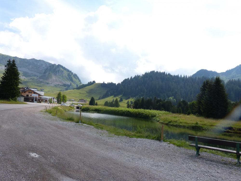 Col de la ramaz, Sommant station de ski