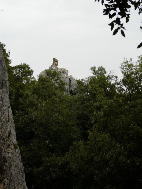 en arrivant sur le site du rocher de l' aigle