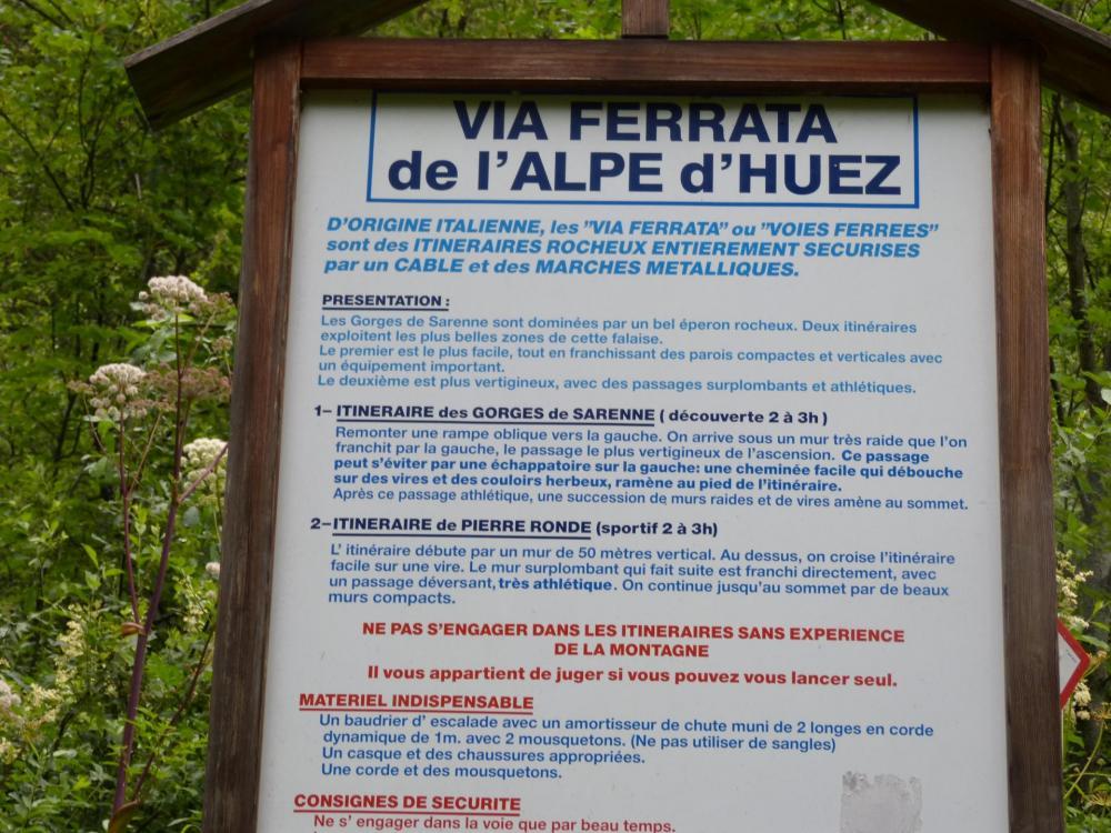Panneau d'info au pied des vias des gorges de sarenne
