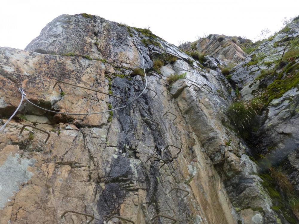 Via la découverte dans les gorges de Sarenne, il semblerait que l' on approche du sommet !