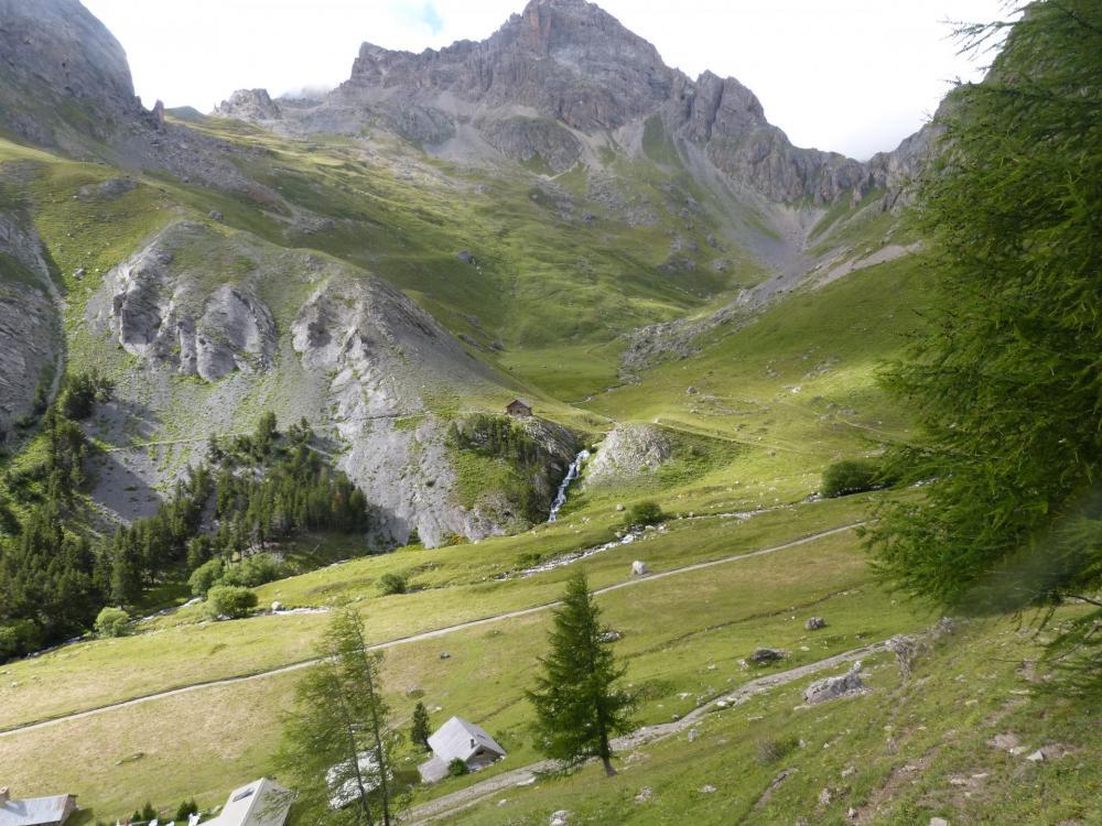 Retour aux chalets de l' Alpe du Lauzet