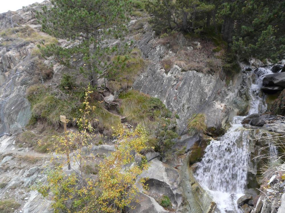 Le sentier de descente - via Roc del Quer