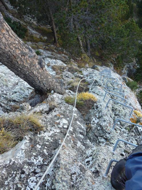 Une belle verticale dans la via du Clot de l' Aspra