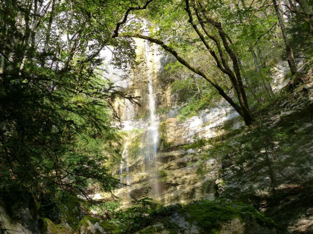 la grande cascade à St Vincent de Mercuze