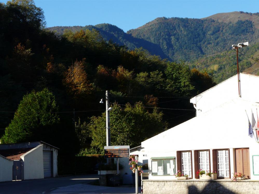 Le depart depuis les cabanes en direction du plateau de Beille