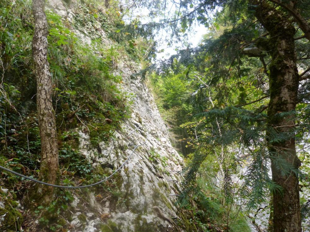 """Traversée en rive droite pour rejoindre la """"cascade oubliée"""" - via de St Vincent de Mercuze"""