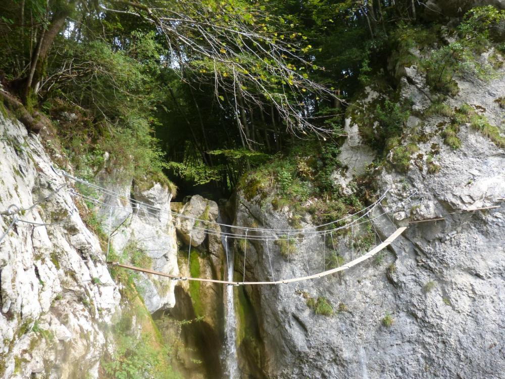 via ferrata du rocher de l' envers à St Vincent de Mercuze - la cascade oubliée