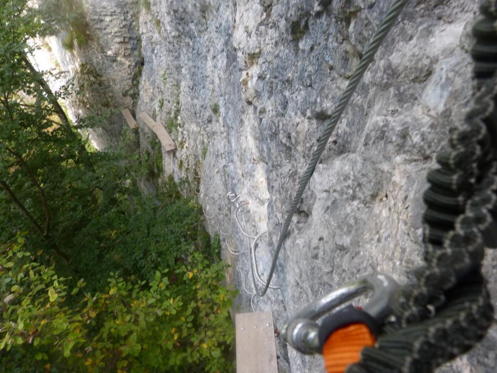 dernière petite verticale avant de sortir de la traversée (St Vincent de Mercuze)