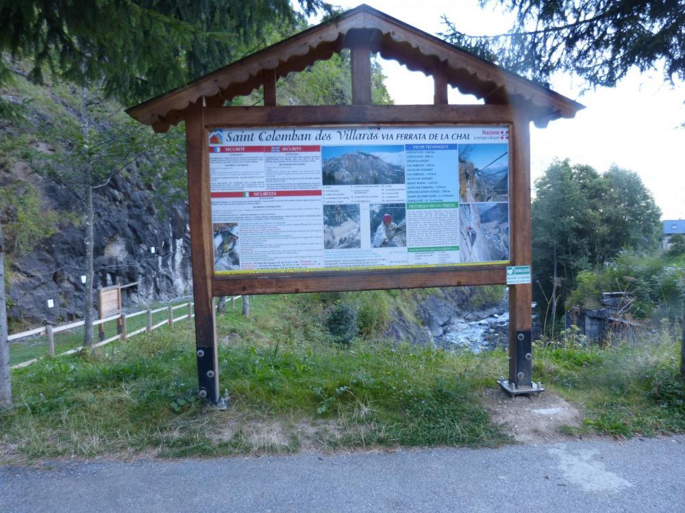 le panneau d'information de la via de la Chal