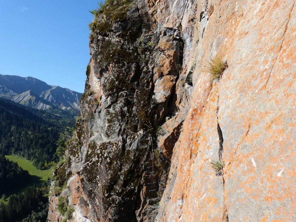 Petite verticale intermédiaire avant la suite de la traversée (via de La Chal)