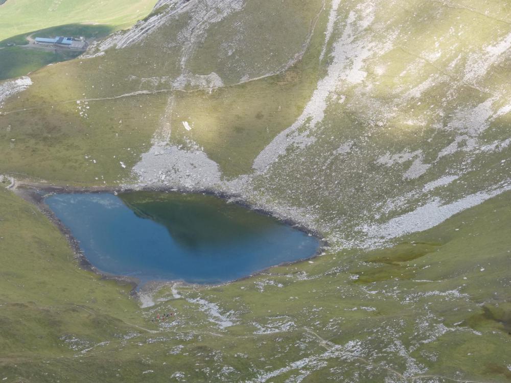 Le lac du Charvin de plus près !