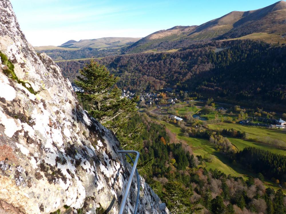 Vue rétro sur Le Mont Dore