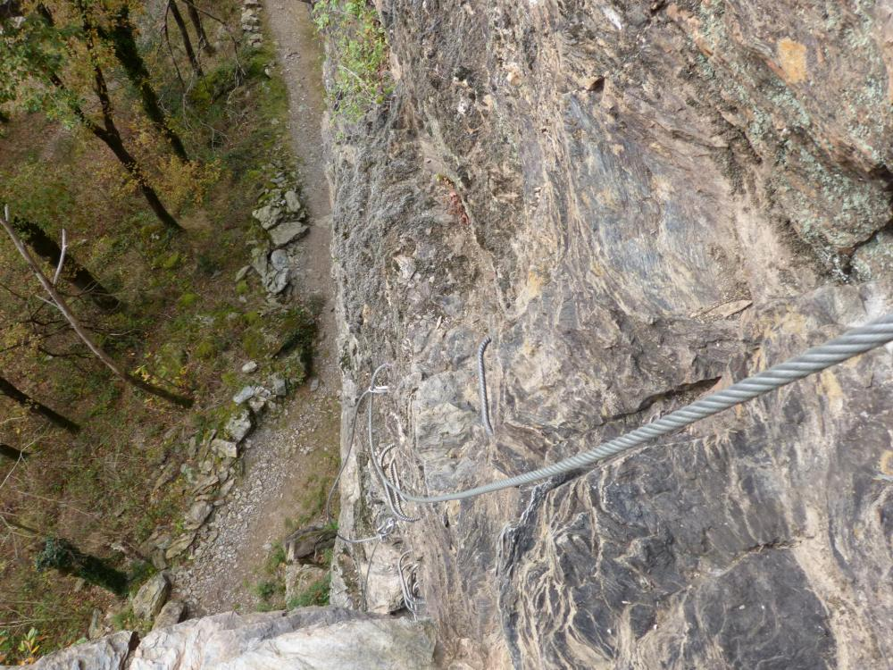 Belle première montée dans la via ferrata du Roc du Gorb