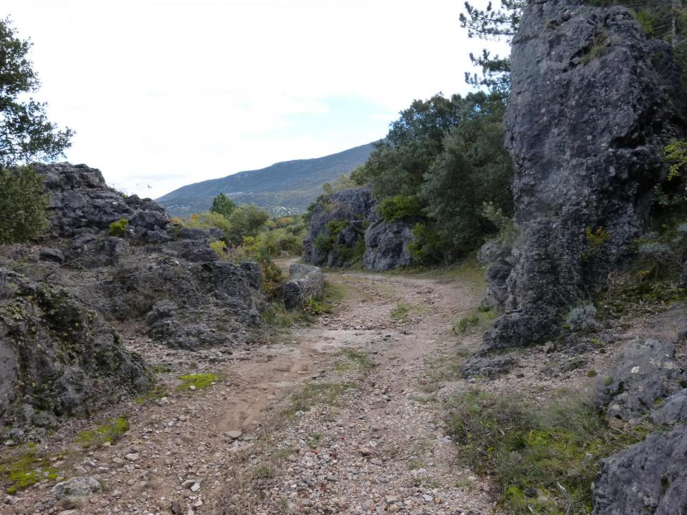 Caverne du Maure depuis Gornies, retour par la route