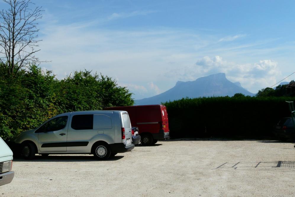 parking bivouac de la lovetaz (St Jean d'Arvey)