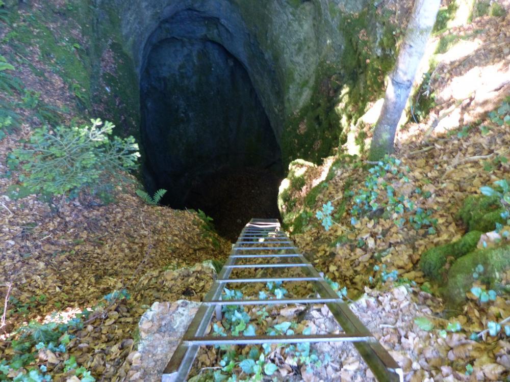 Baume du Mont à Reugney (Doubs)