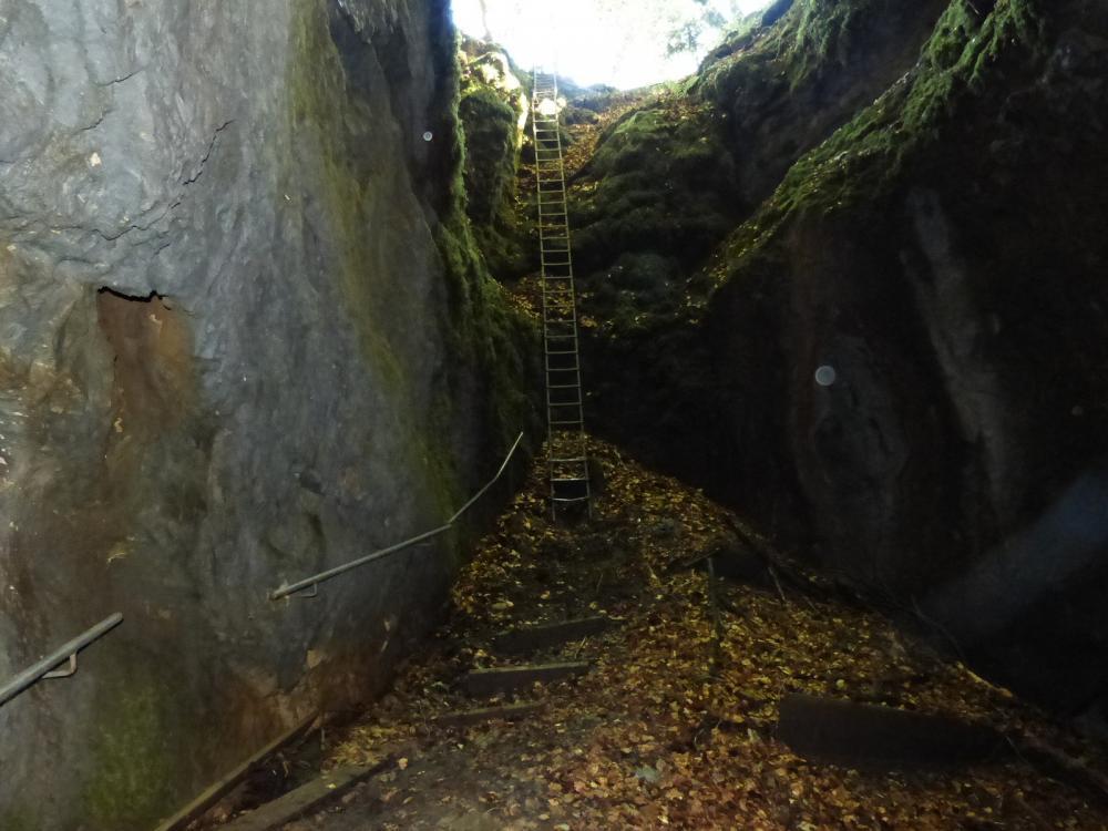 Sortie de la Baume du Mont