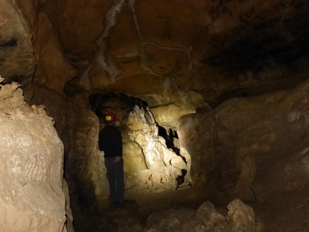 Une heure de ballade souterraine à la Baume de Reugney