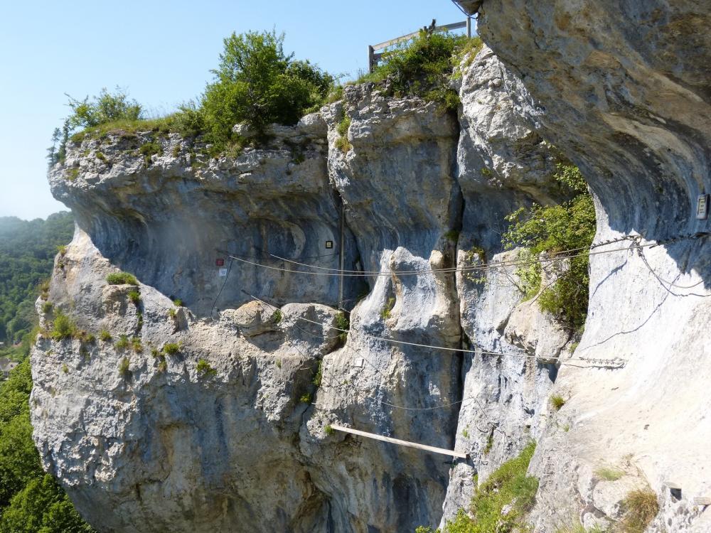 Via ferrata du rocher du Mont à Ornans ... La passerelle du Chavot qui précède la sortie !