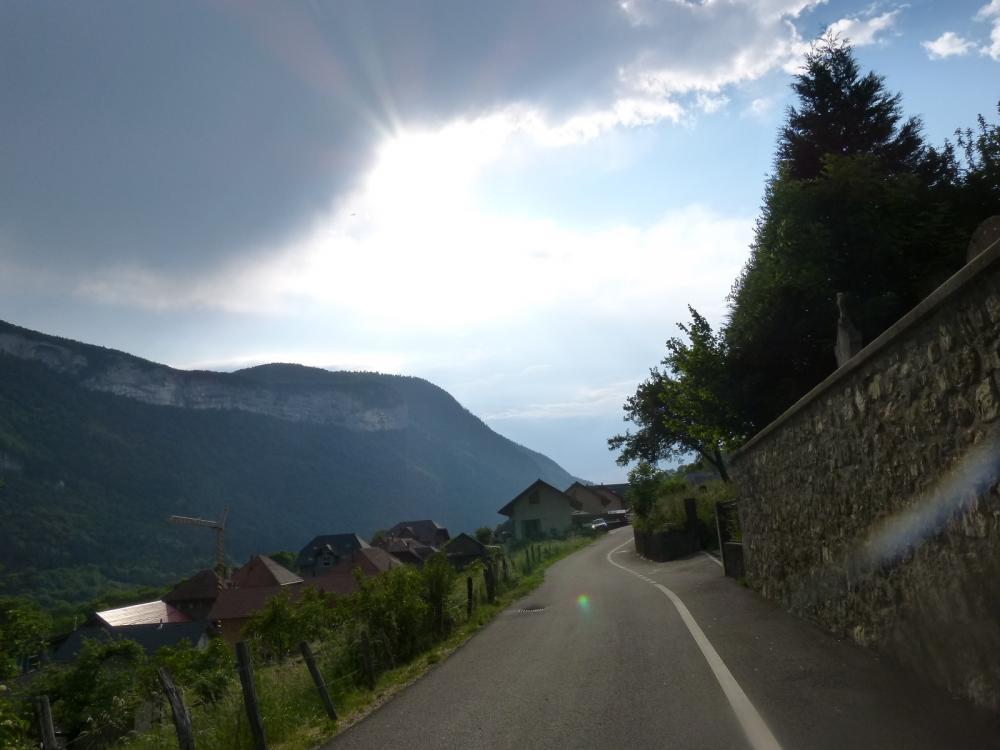 Retour à Allèves, un orage s' annonce !