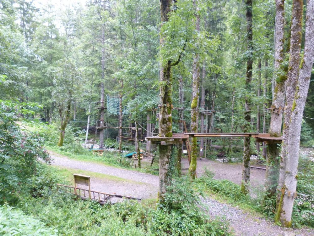 Le parc aventure 200 m avant la via de la cascade des Nants
