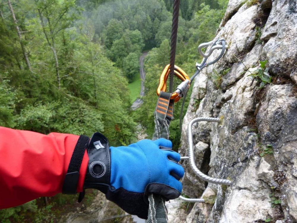 Via ferrata de la cascade à Bellevaux