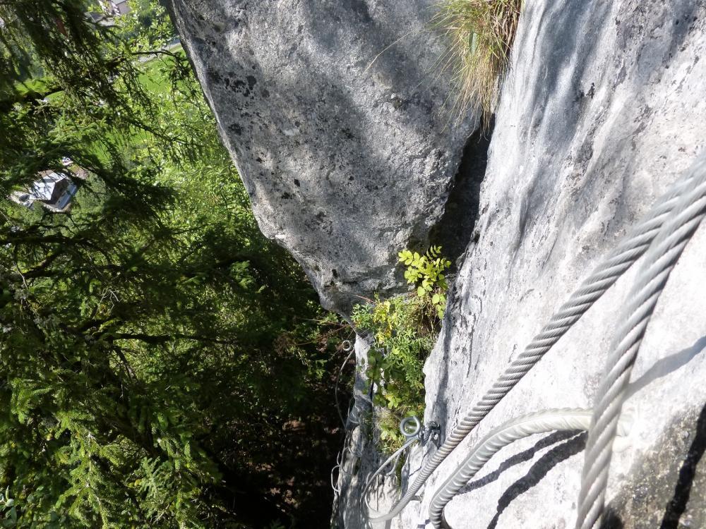 Belle sensation verticale dans la montée de la Para néra aux Saix de Moliène (tronçon du Chamois)