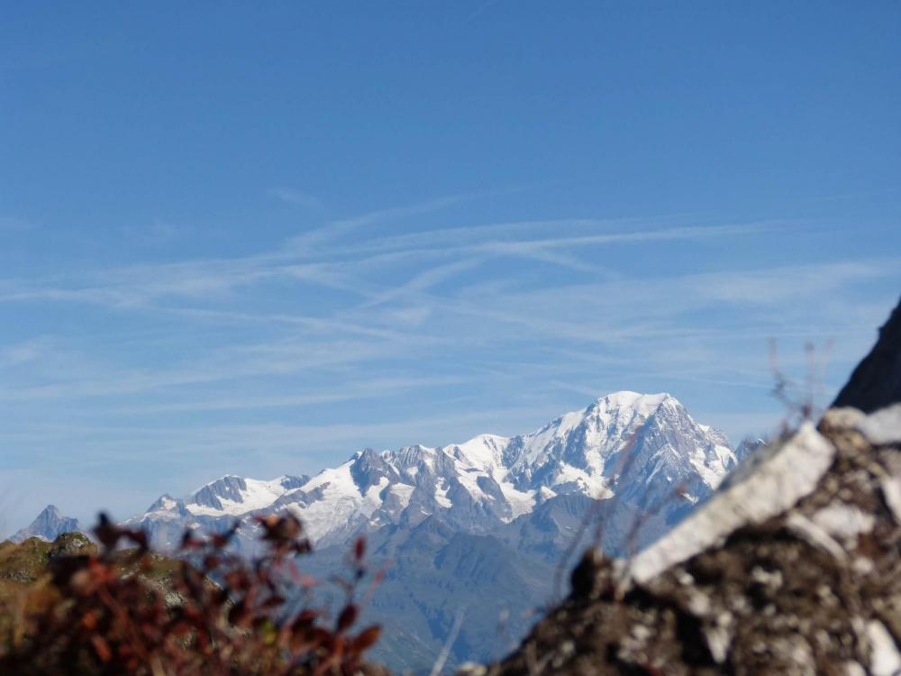 Le Mont blanc depuis la poutre à la via des Bourtes