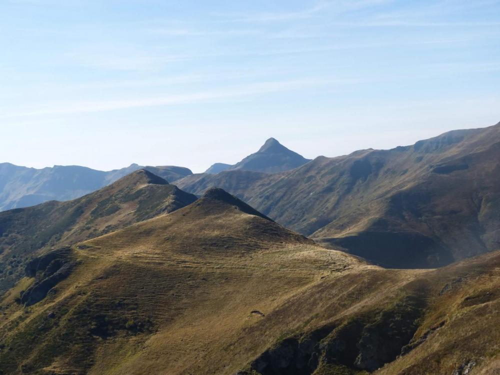 La vue qui résume la rando,Téton de Vénus, le Puy Bataillousse, le Puy Mary !