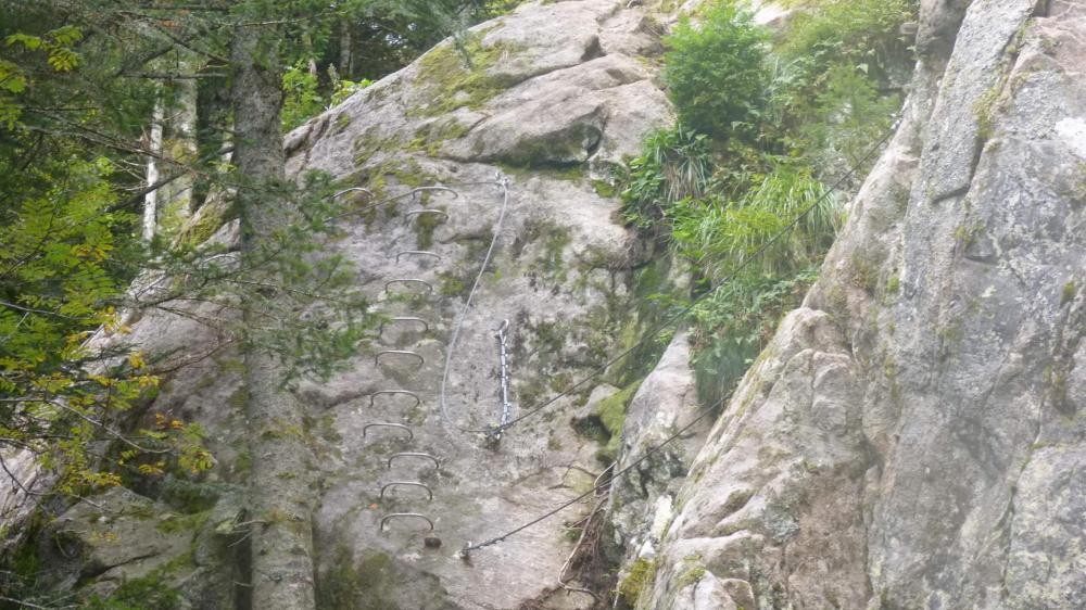 La via ferrata des rochers du Ronzier (Pabouré)