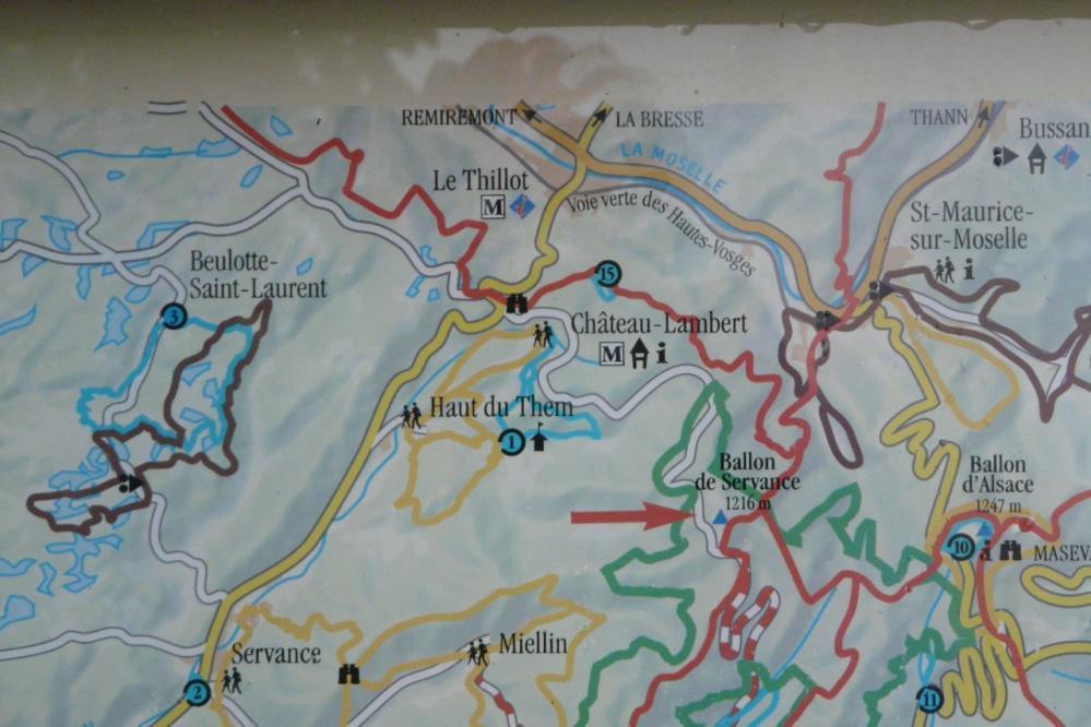 Point de situation géographique sur le panneau d ' information du ballon de Servance