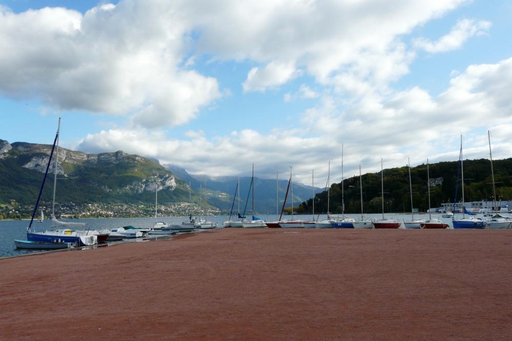 le port de plaisance d' Annecy