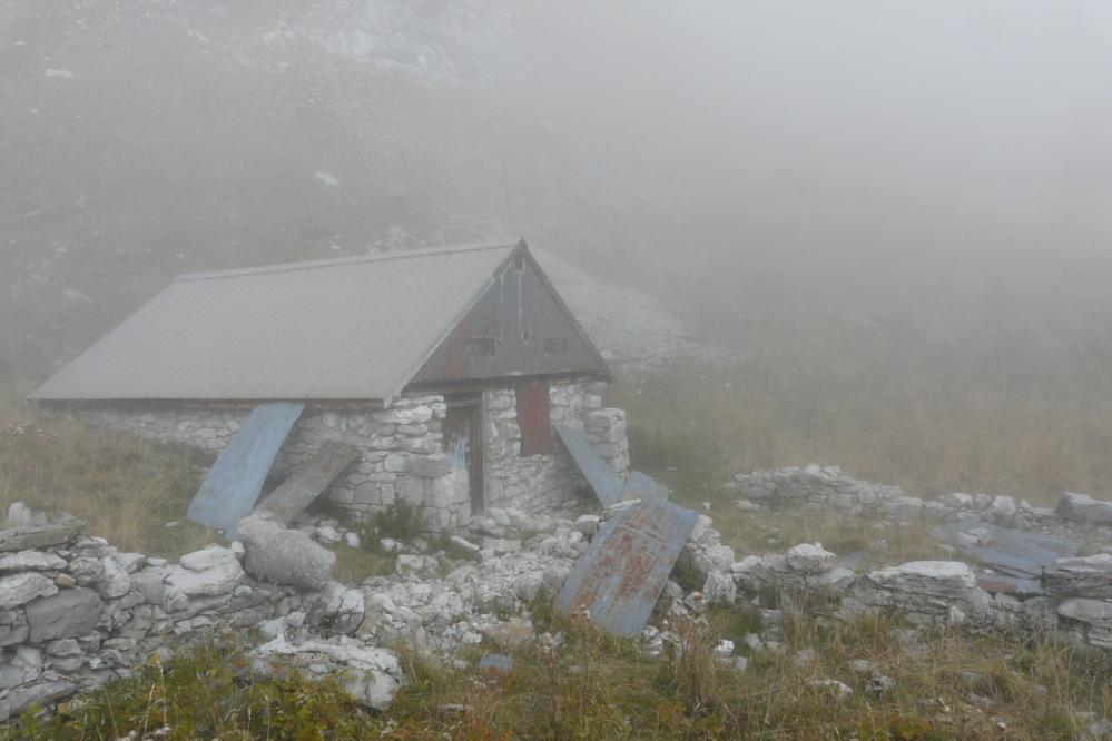 cabanne de berger juste avant la descente au refuge