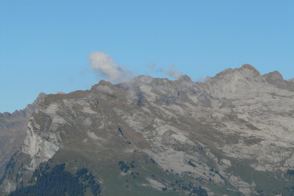 le criou et son plateau sommital ou se trouve le gouffre Mirolda (plus profond de france)