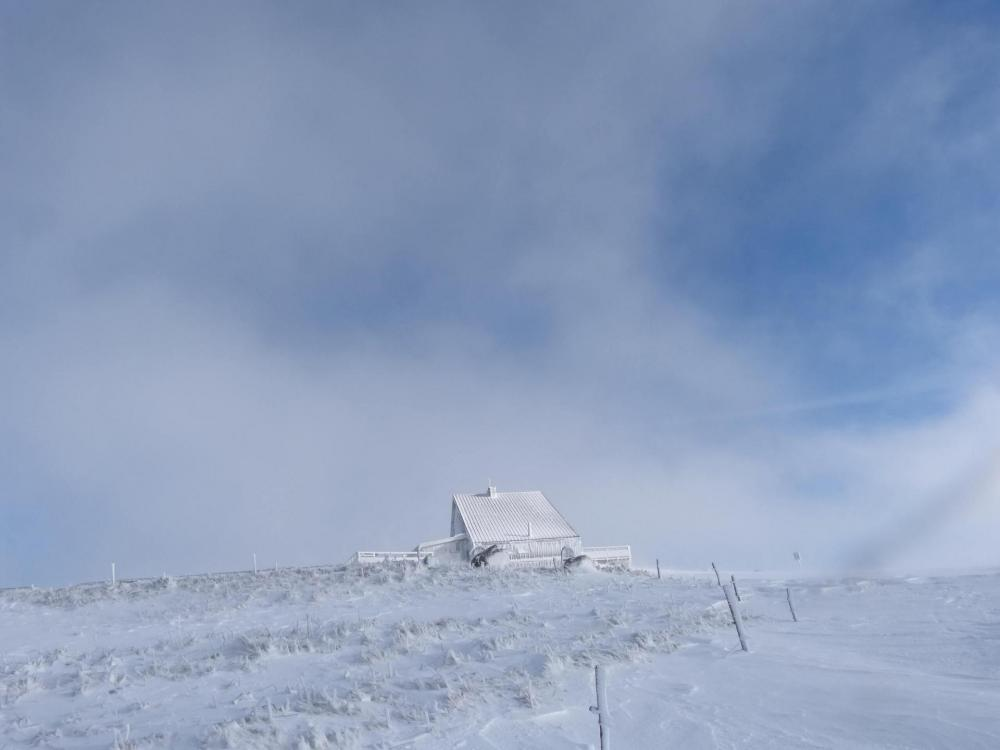A la redescente du Hohneck, les nuages prennent possession du sommet !