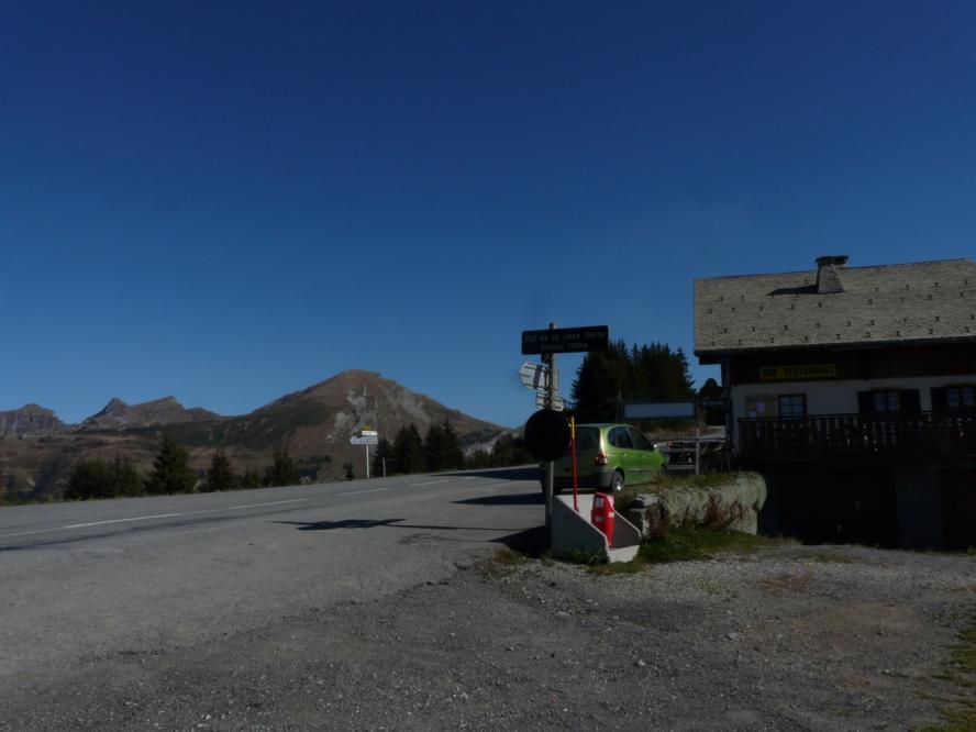 le col de Joux verte à la jonction avec la route Morzine/Avoriaz