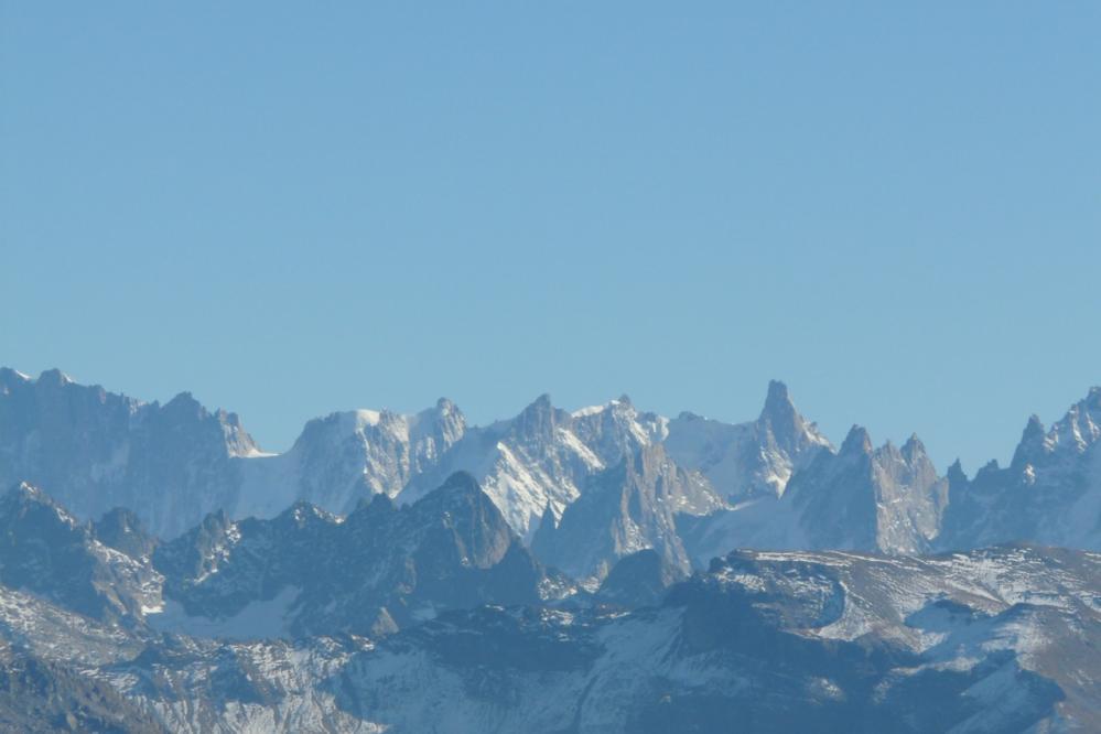 le massif du mont blanc depuis le col de Joux Plane
