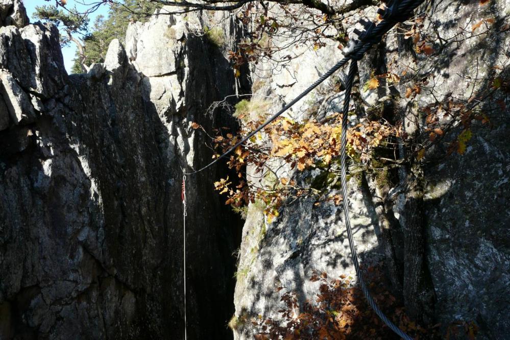 la petite tyrolienne de la via des Juscles