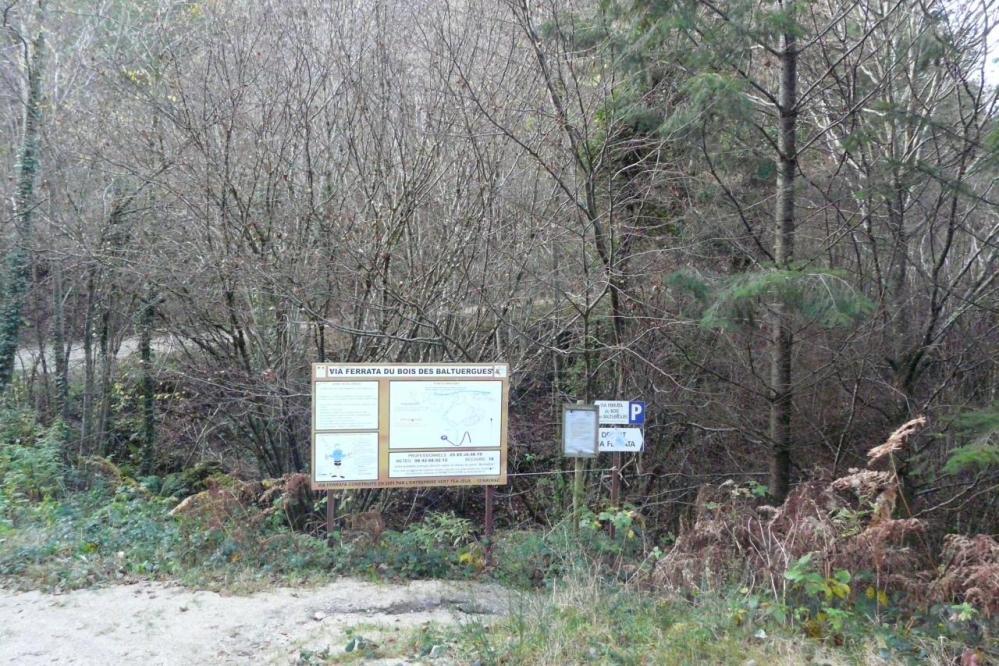 Panneau d'info via ferrata du bois de Balthuergue